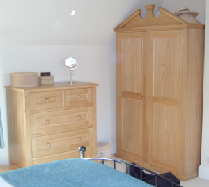 Oak Wardrobe and Chest of Drawers